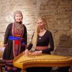 Anna Mišina ja Kristi Mühling Hiiu folgil