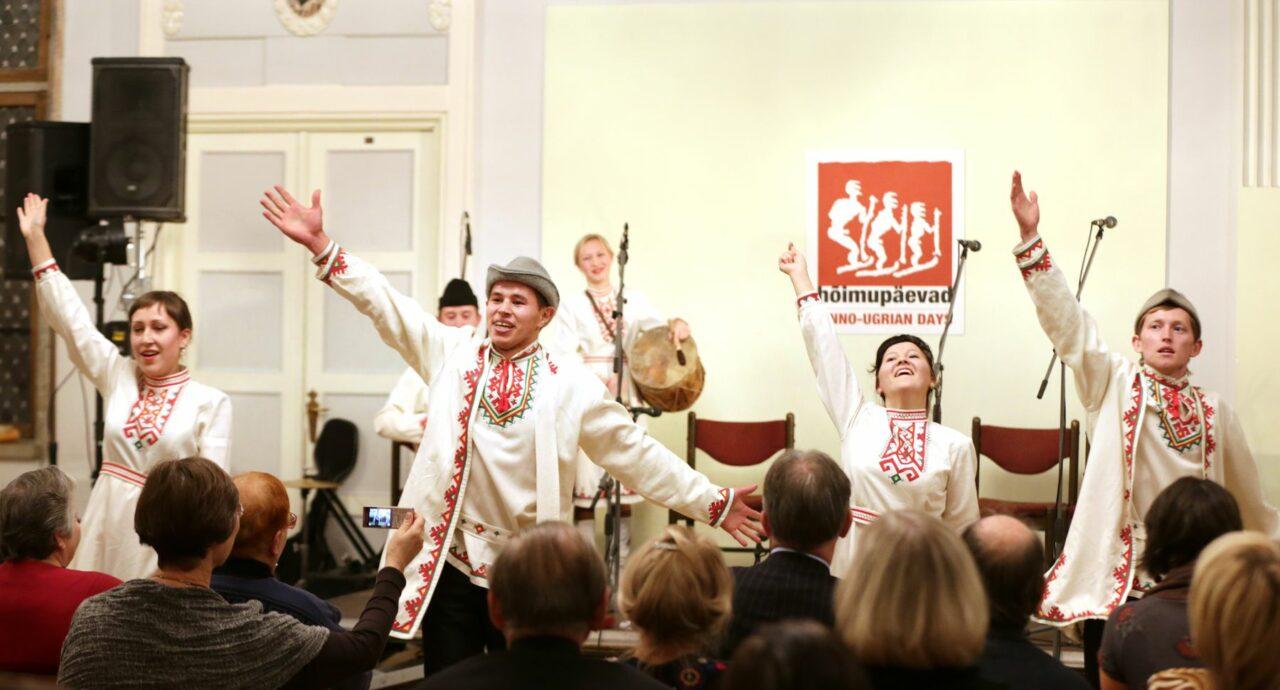 Marid esinemas Tallinnas Mustpeade Majas 25. Hõimupäevadel. Foto: Peeter Langovits