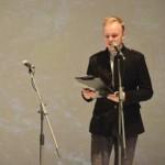 Ansambleid juhatas sisse Eesti Draamateatri näitleja Karmo Nigula.