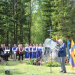 Ingerisoome juurtega rahvastikuminister heiskas ingerisoomlaste laulupeo lipu