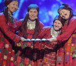 Noored võtsid udmurdi Burani vanaemad oma hoole alla