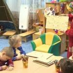 Jugra lasteaiad võtsid kasutusele handikeelsete sõnadega pusle